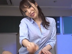 桜井彩 チ◎ポ大好き淫乱女教師がボクの肉棒を手コキでしごいて大量の男潮を吹かしちゃう!